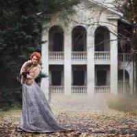 рыжая и домик :: Татьяна Кутеева