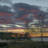 Любуясь красками осеннего заката :: Михаил (Skipper A.M.)