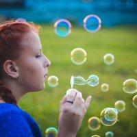 Девушка и пузыри :: Инга Брицына