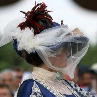 ах,эти шляпки,вуали о,женщины :: Олег Лукьянов