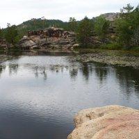 1. Озеро в горах. :: Александр