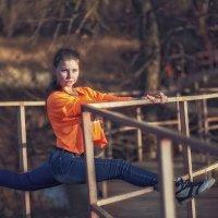 Шпагат на мостике :: Сергей