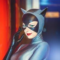 Женщина-кошка :: михаил шестаков
