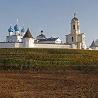 Мужской монастырь :: Юрий Пузанов