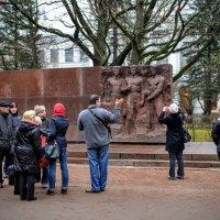 Памятник :: Юрий Тихонов