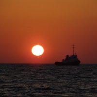 Солнце на буксире! :: Полина Липина