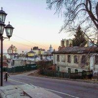 Старая улочка. :: Надежда Ивашкина