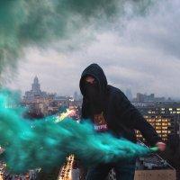Просто добавь немного красок в свою жизнь, даже если это не нравится другим! :: Георгий Ланчевский