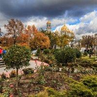 Осень в городе :: Юрий Яловенко