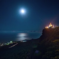 Форосский храм в лунном свете :: Алексей Бордуков