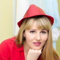 Красная Шляпка :: Кирилл Богомазов