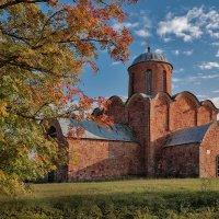 Церковь Спаса Преображения на Ковалеве, 14 век :: Евгений Никифоров