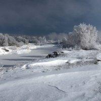 Туман неспешно поднимался над заколдованной землёй... :: Александр Попов