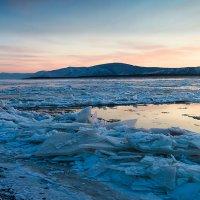Осений ледоход на Амуре. :: Поток