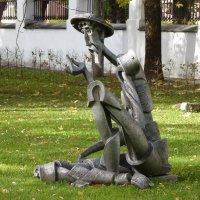 Дон  Кихот  в  Губернаторском парке-музее   города  Ярославля :: Galina Leskova