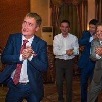 Отец за Сыном. :: Дмитрий Макаров