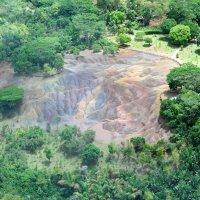 Разноцветная земля Маврикия. :: Елена Савчук