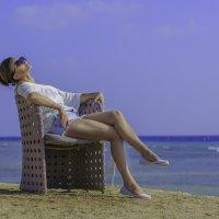 Морской воздух совершенно другой… -он пахнет людскими мечтами! :: Нимфа N