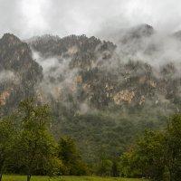 Облака ползут по скалам :: Marina Talberga