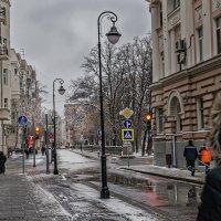 Мокрым снегом выбелен наш город :: Ирина Данилова