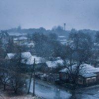 Город окутан первым снегом :: Дмитрий Чернов