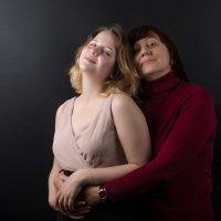 Как хорошо иметь еще и крестную маму! :: Александр Сергеев