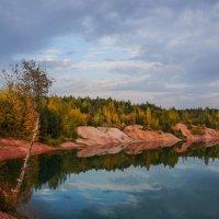 Озеро осенью :: Анатолий