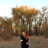 Сквозь шелест листьев.. :: Леонид