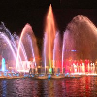 Поющий фонтан в парке М.Горького :: НАТАЛИ natali-t8