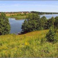Пейзаж с озером. :: Роланд Дубровский