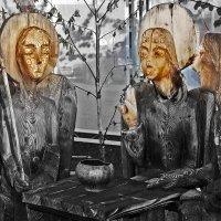 На троих в России это от набожности... - Святая Троица...)) :: Владимир Хиль