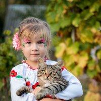 Девочка и кот :: Юрий Гребенюк