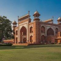 Индия вход в Тадж-Махал :: юрий макаров