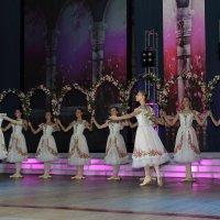 Девочки танцуют :: Екатерина Василькова