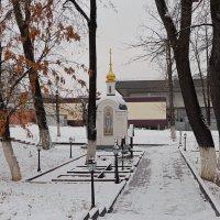 Монастырь. Повседневная жизнь. Первый снег. :: Геннадий Александрович