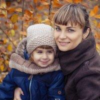 Ирина и Арина - осенняя прогулка :: Ксения Довгопол