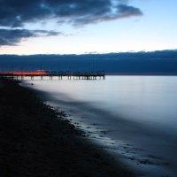 Ноябрьский рассвет на озере Иссык-Куль :: Roman Arnold