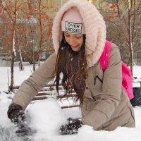 Слепить снеговика :: Сергей Яценко