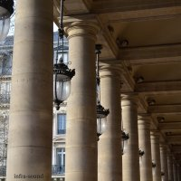 Париж, колонны театра Комеди Франсес :: Lüdmila Bosova (infra-sound)