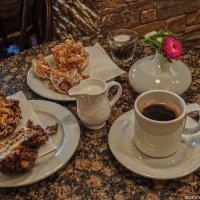 Кофе со Снежками :: Надежда Лаптева