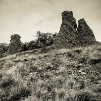 Сухость трав и древность скал На склонах мрачных Киммерии :: Антон Фатыхов