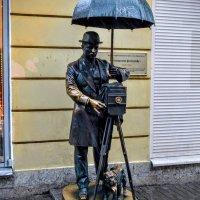Памятник фотографу :: Юрий Тихонов