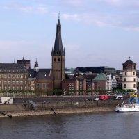 Набережная Рейна в Дюссельдорфе :: Валерий Новиков