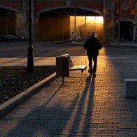 Вечерняя прогулка по Фрунзенской набережной :: Татьяна [Sumtime]
