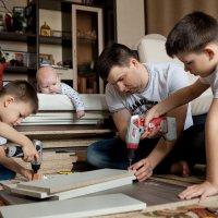 Семейные ценности по мужски :) :: Марина Тверитнева