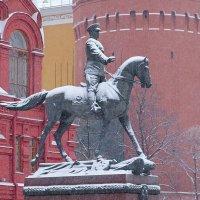 Москва... последний день осени... снег. :: Геннадий Александрович