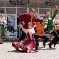 Зажигательный русский танец :: Виктор Филиппов