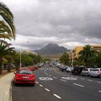 Улица с видом на вулкан. :: Лия ☼