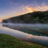Рассветный туман над озером :: Денис Свечников