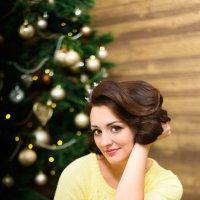 Скоро Новый год. Красавица Юлия. :: Ксюша Богомолова